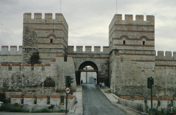 Istanbul, theodosianische Landmauer, Tor