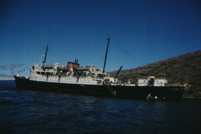 """Bucanero"" vor Isabela, Galapagos August 1989"