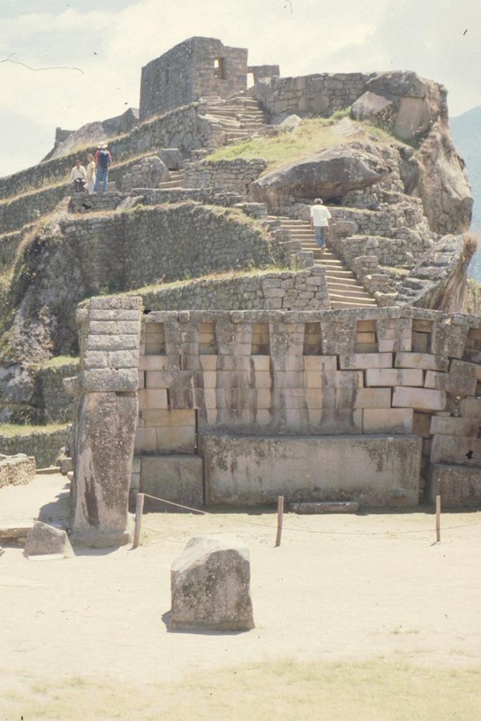Haupttempel + Intihuatana, Machu Picchu, Peru
