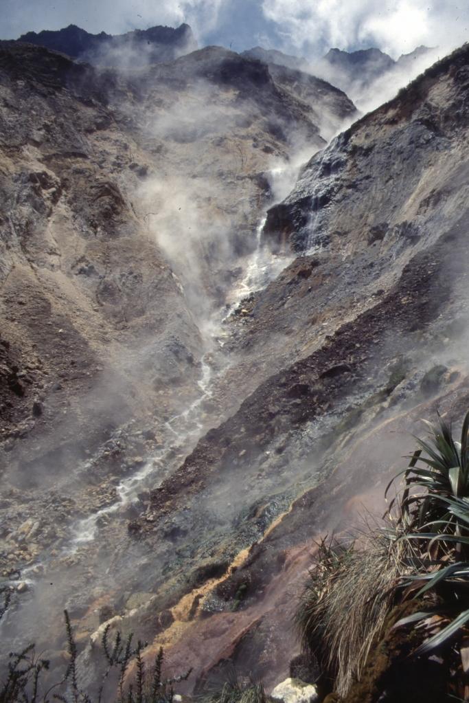 Vulkan Pichincha, Abstieg zur heißen Quelle